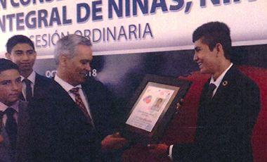 Carlos Quijano de México recibe credenciales como miembro de la Red CORIA